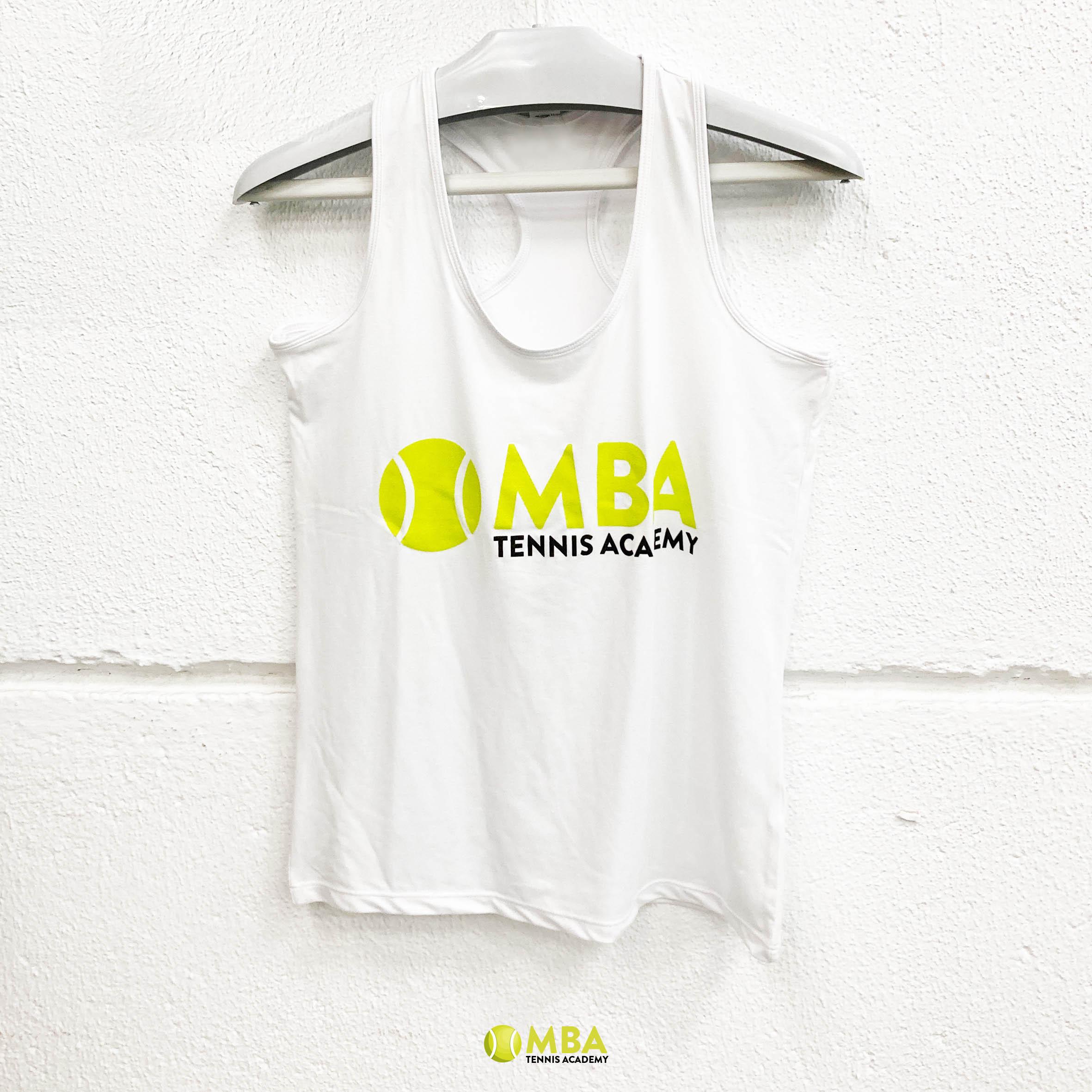 MBA-Tennis-Academy-Camiseta-blanca-mujer-1
