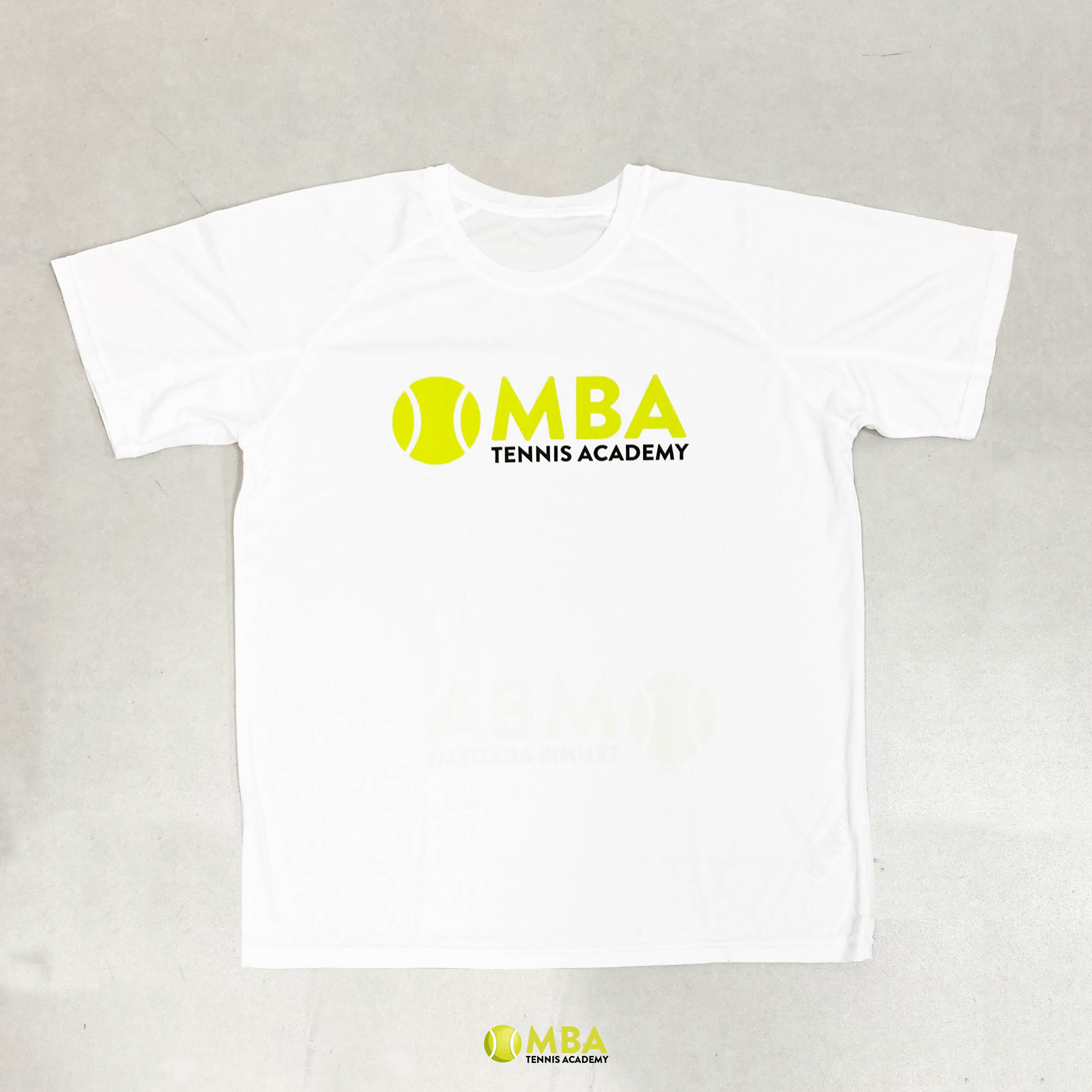 MBA-Tennis-Academy-camiseta-blanca-hombre-2