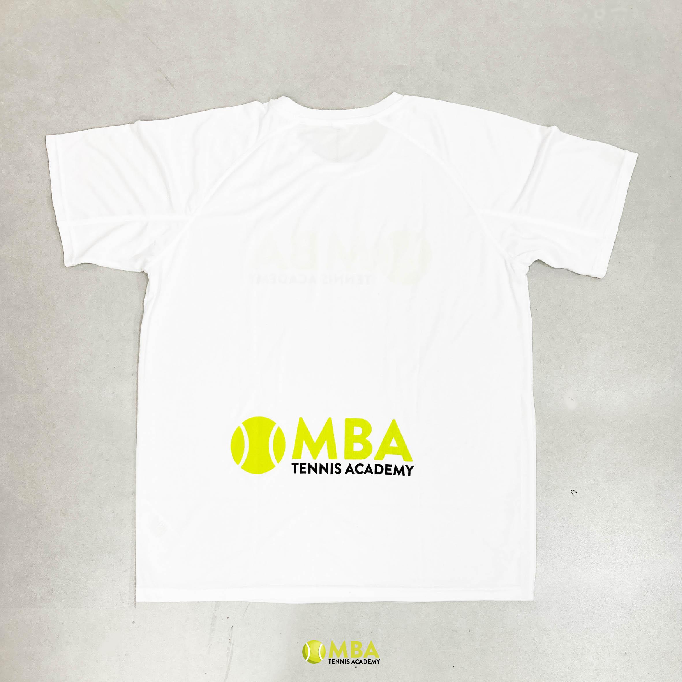 MBA-Tennis-Academy-camiseta-blanca-hombre-3