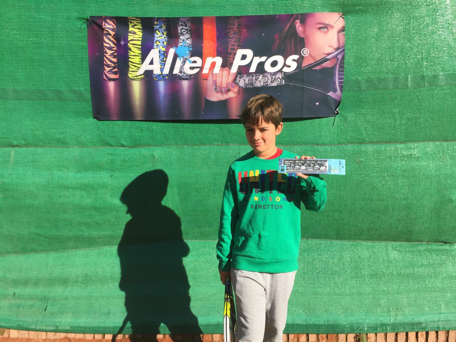 MBA-Tennis-Academy-Alien Pros Alumnos (9)